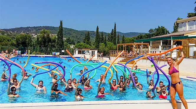 Camping port grimaud vacances camping var location for Camping piscine var